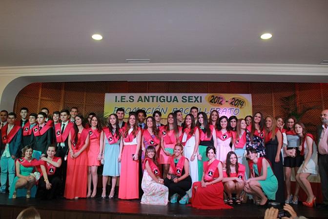 Los  institutos de Almuñécar celebraron la graduación de  los estudiantes de Bachiller