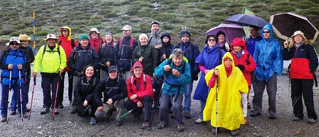 Senderistas sexitanos recorrieron el camino de los Neveros de Sierra Nevada