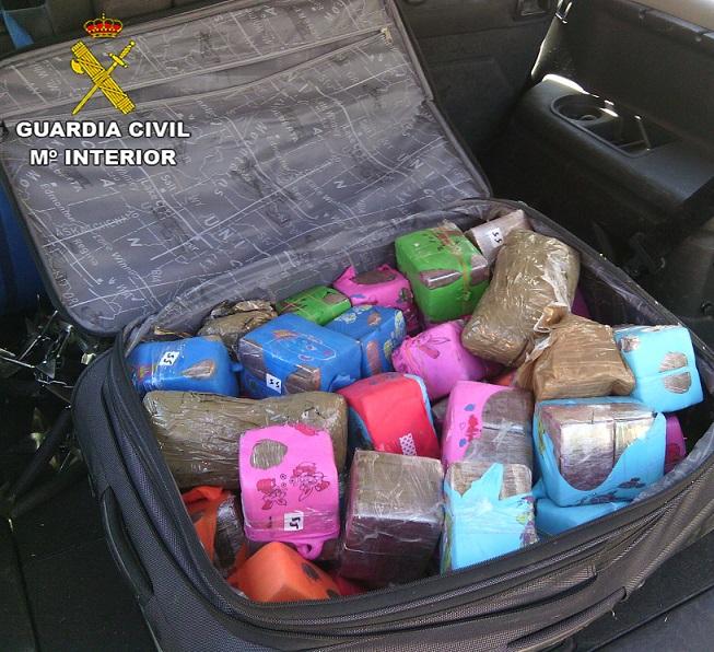 La Guardia Civil descubre a un hombre que transportaba medio kilo de hachís en el interior de su cuerpo