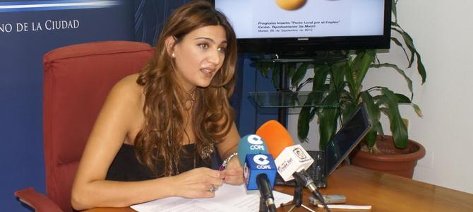 Santiago propone a la Junta que solvente el problema del desempleo juvenil desarrollando todos los proyectos pendientes con Motril
