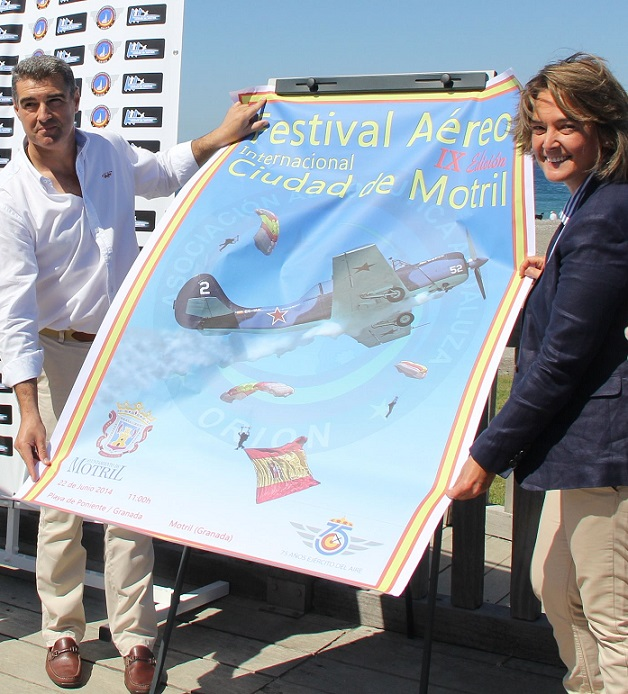 Un cartel en inglés, alemán y español promocionará Motril como sede del IX Festival Aéreo Internacional