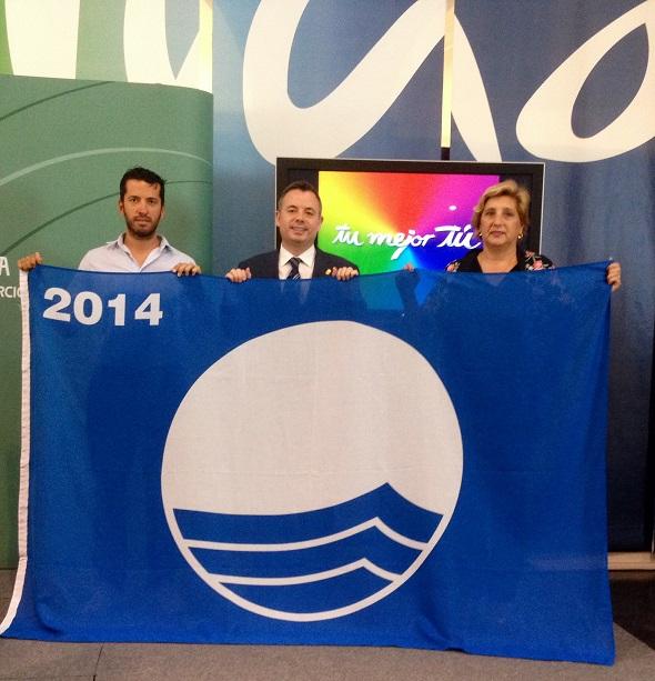 Playa Granada, el Llano y Torrenueva ya tienen sus banderas azules