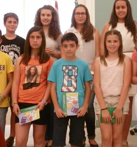 """El sexitano Juan Manuel Martín, alumnos del CEIP """"La Noria"""",  galardonado en el XII Certamen Literario Andaluz """"Solidaridad en Letras""""."""