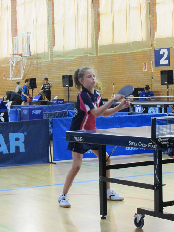 La benjamina almuñequera de tenis de mesa, Lucía López seleccionada para el Euro Mini-Champs 2014