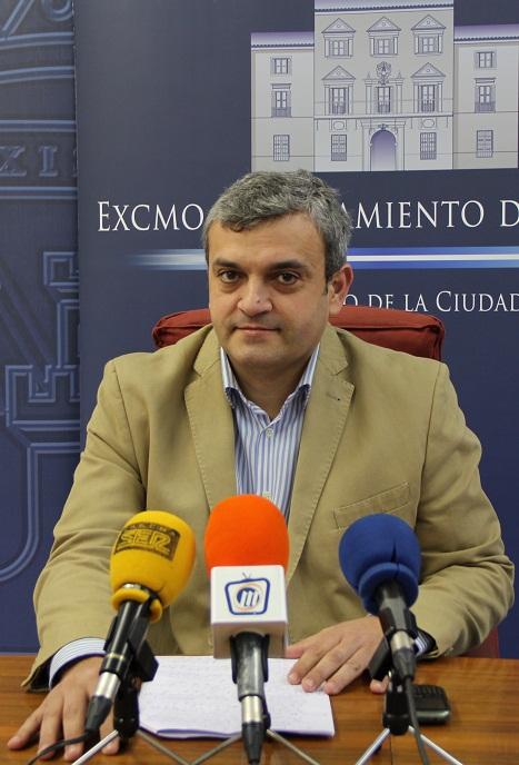 El PSOE intenta dañar la imagen turística de Motril con sus invenciones