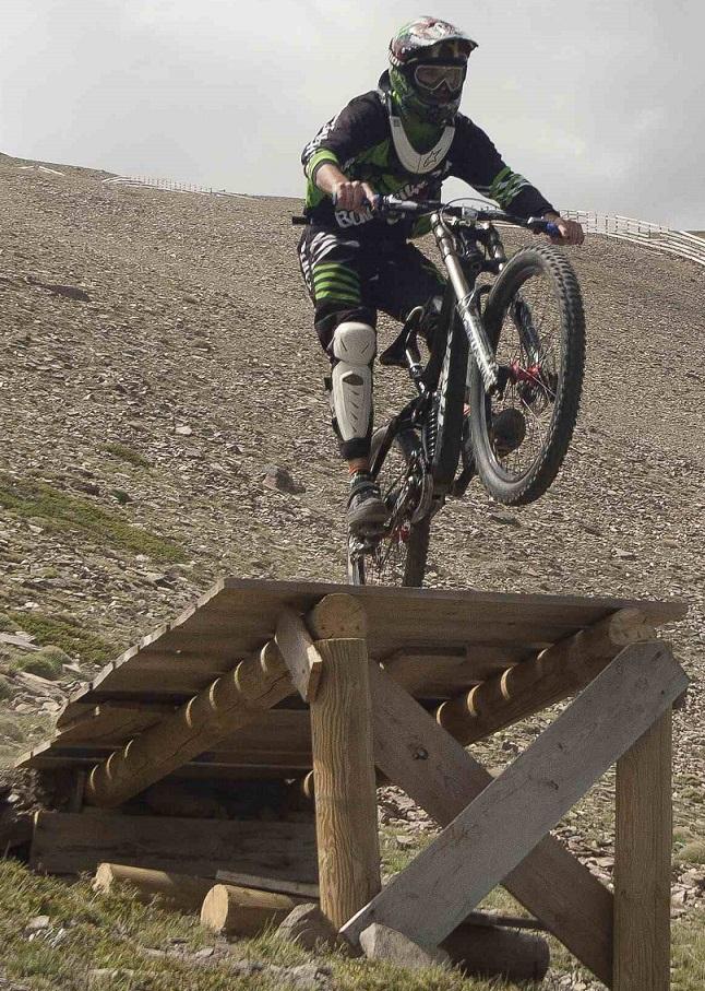 Sierra Nevada abre durante tres días para el Open de España de Descenso como test para el bike park