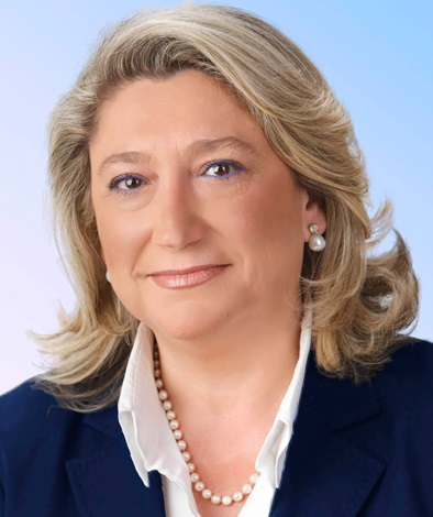 La alcaldesa de Almuñécar Trinidad Herrera   emite un Bando sobre el adecuado uso de las playas con motivo de la Festividad de San Juan