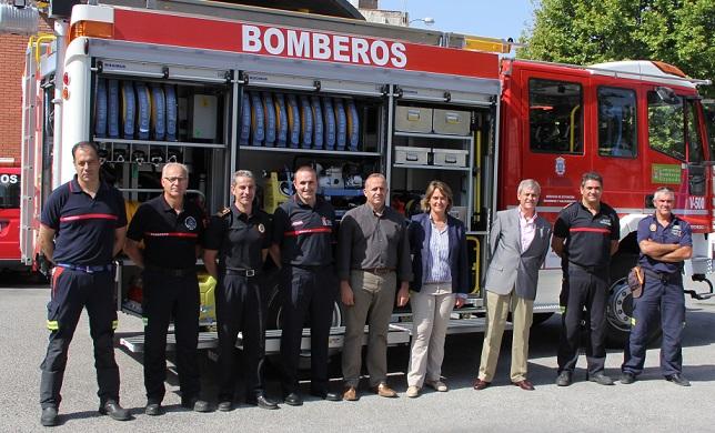 El parque de bomberos de Motril incorpora un nuevo vehículo para sofocar incendios forestales único en España