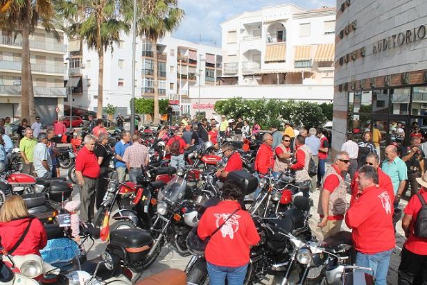 UN CENTENAR DE MOTOS SE DAN CITA EN LA PRIMERA CONCENTRACIÓN DEL CLASSIC CLUB SALUBINIA  DE SALOBREÑA