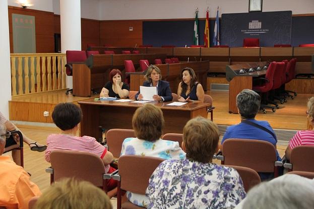 Servicios Sociales se reúne con las juntas de participación de los centros de mayores y las asociaciones de personas con diversidad funcional