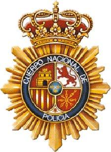 Cuatro agentes de la Policía Nacional en Motril impiden que un varón se suicide