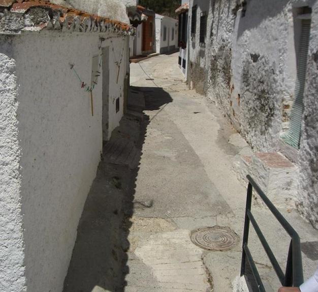 El PA de Motril demanda el arreglo de varias calles de La Garnatilla