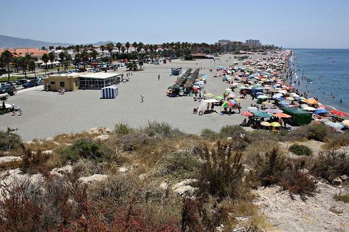 La playa de Salobreña es declarada como zona de gran influencia turística