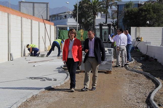 Playa Granada se acerca al mar con la apertura de una calle junto a villa Astrida