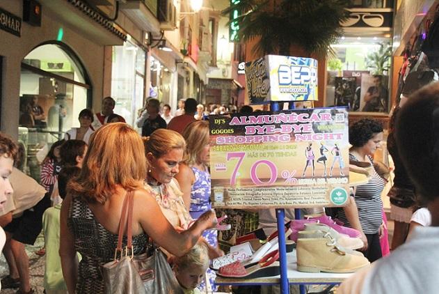 El comercio de Almuñécar celebrará este sábado su primera  shopping night del verano
