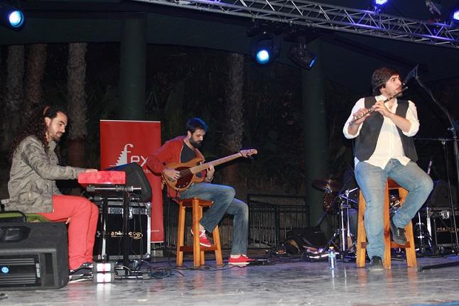 El Fex se presentó en Almuñécar el espectáculo Fifty Fifty y de la mano del flautista Sergio de Lope