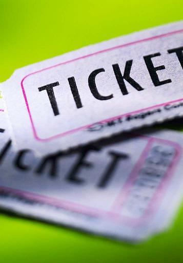 Salobreña pone en marcha un sistema de venta de entradas on line