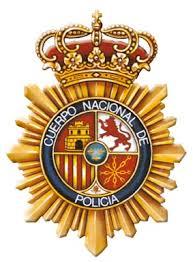 La Policía Nacional detiene a una pareja que estaba forzado una vivienda