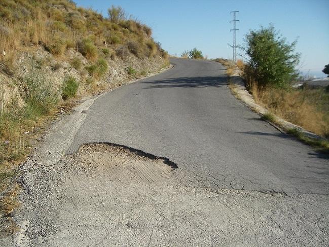 El PA de Motril demanda el arreglo de la carretera de Los Tablones