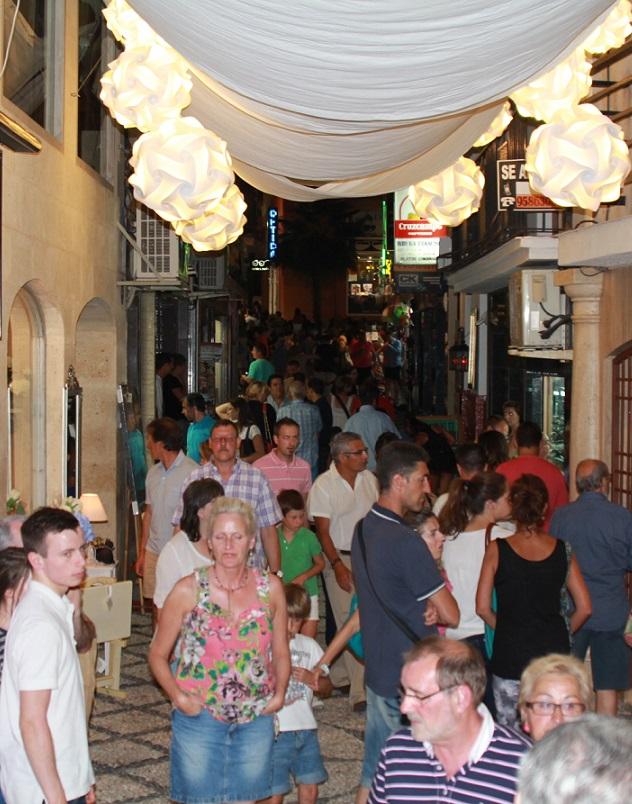 El comercio de Almuñécar celebrará este sábado tercera shopping night del verano
