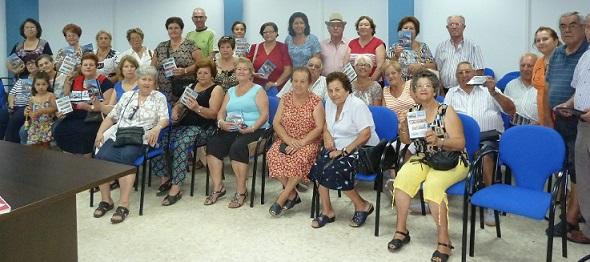 El Ayuntamiento sexitano regala un DVD a los mayores que participaron el viaje al Campo de Gibraltar