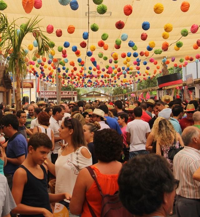 Almuñécar ya vive  sus fiestas patronales con la Feria de Día