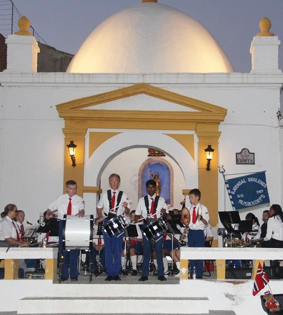 El paseo de San Cristóbal acoge este miércoles un concierto de una banda de música noruega