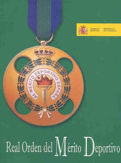 El Club Borabora de Salobreña placa de bronce de la Real Orden del Mérito Deportivo