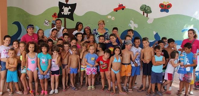 Medio centenar de niños han participado en el campamento de verano de Calahonda