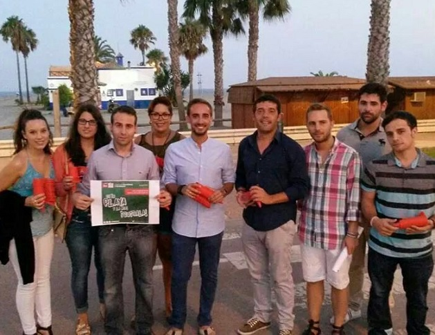 Juventudes Socialistas inicia una campaña para proteger las playas granadinas