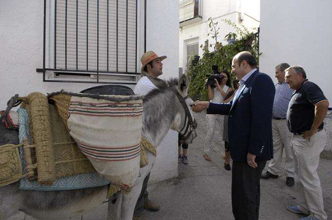 Plan de choque de la Diputación en Rubite para dotar de agua y luz a los que no tienen