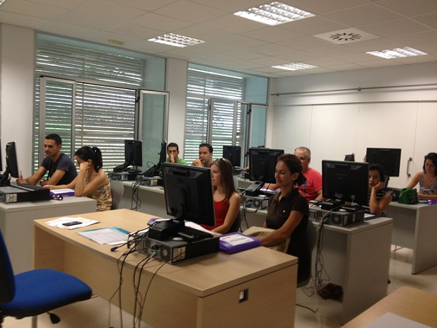 Una quincena de motrileños se forma en inglés intensivo para la búsqueda de empleo
