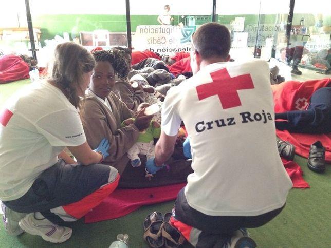 Se extrema las medidas de seguridad entre el personal que atiende a inmigrantes ante el Ébola