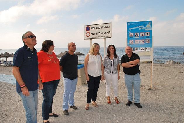 Cerca de 20.000 bañistas usan este verano el servicio de transporte público a la playa de Cantarriján