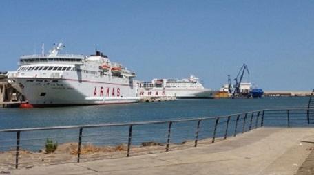 Armas destina dos buques a su línea Melilla-Motril por la demanda de la OPE
