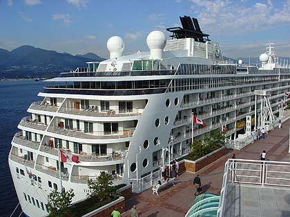 El 80% de los cruceristas llegados a Motril en 2014 se quedaron en la ciudad