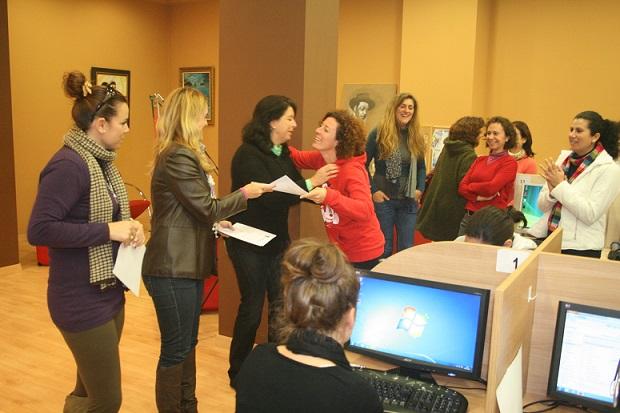 El Ayuntamiento de Almuñécar abre plazo de inscripción para un curso de informática y redes sociales destinado a mujeres desempleadas