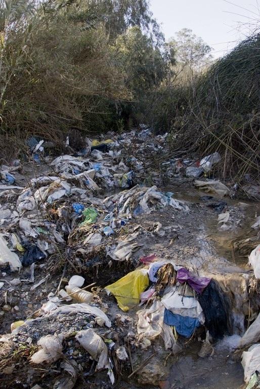 Izquierda Unida denuncia el incremento de los olores y ruidos en la planta de residuos de Vélez de Benaudalla