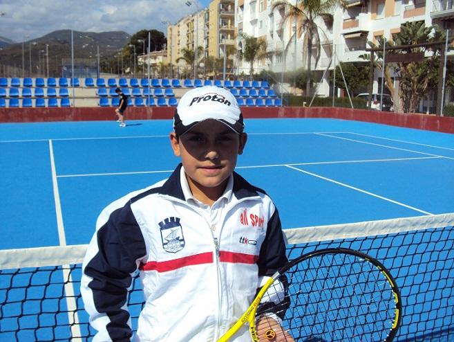 El tenista sexitano Javi Molino ha sido seleccionado por la FAT para el Campeonato de España por comunidades