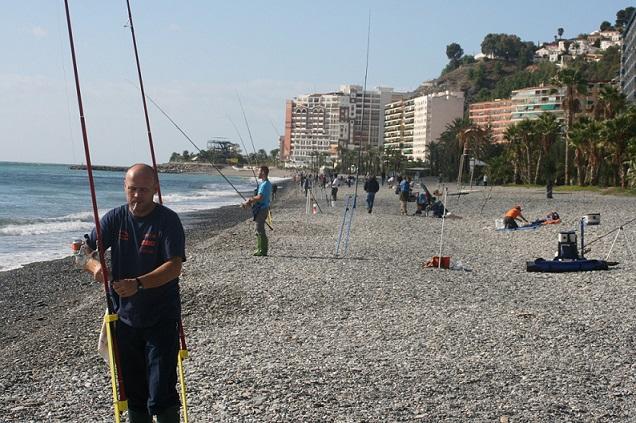 La playa de Velilla será escenario del cuarto concurso de pesca selectivo del Club de Pesca Costa Tropical de Almuñécar