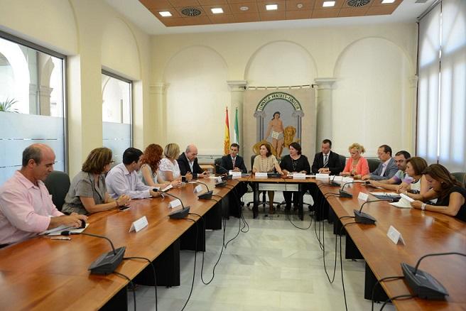 La Junta destina 653.778 euros a los municipios granadinos para ayudar a familias con menores en riesgo de exclusión
