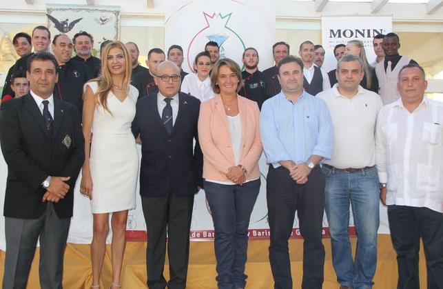 La asociación de bartenders y baristas de la provincia de Granada se presenta en la Costa Tropical