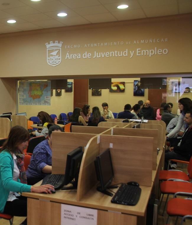 El Ayuntamiento sexitano becará a 15 matriculados en los cursos formativos del Aula Mentor