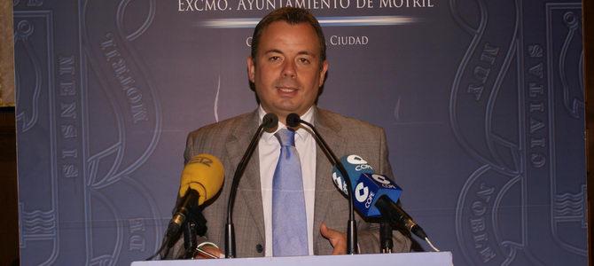 Navarro lamenta que Izquierda Unida y el PSOE tengan los ojos vendados y pretendan cegar también a los agricultores
