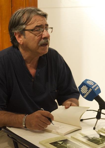 """Antonio Fernández Ferrer presenta su libro """"Desde el puerto de la utopía"""""""