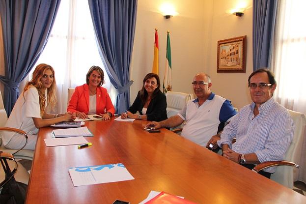 El Ayuntamiento se reúne con la Cofradía de Pescadores de Motril para mostrale su apoyo