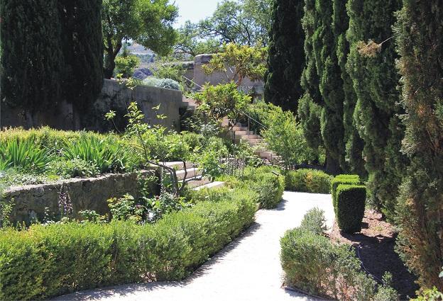 Vélez de Benaudalla celebra el Día Mundial del Turismo con un Jornada de Puertas abiertas en el Jardín Nazarí