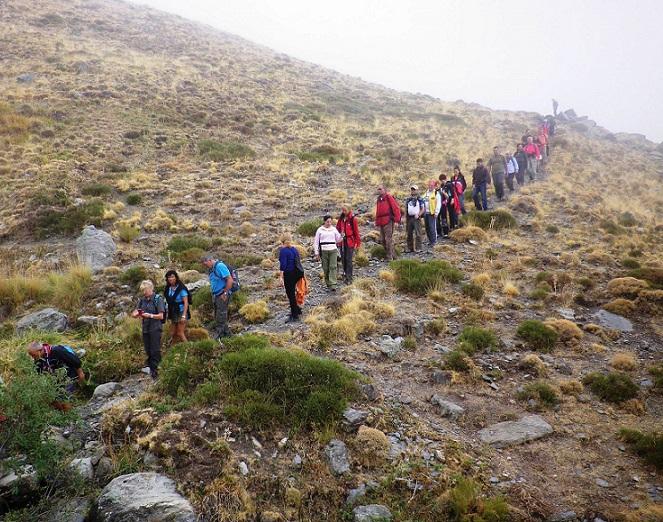 Unos cuarenta senderistas sexitanos disfrutaron de un bello recorrido por las acequias de la Alpujarra