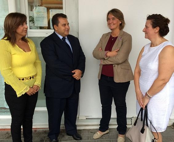 Motril y el consulado de Rumanía renuevan su acuerdo para la cesión del centro de los Álamos como sede de trámites administrativos
