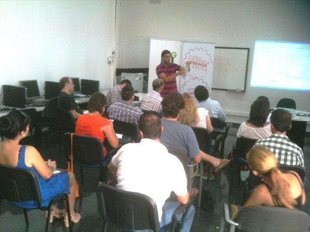 """Jornada CADE Motril """"Compartir = Ayudar = Innovar, apoyo a las nuevas y futuras empresas""""."""
